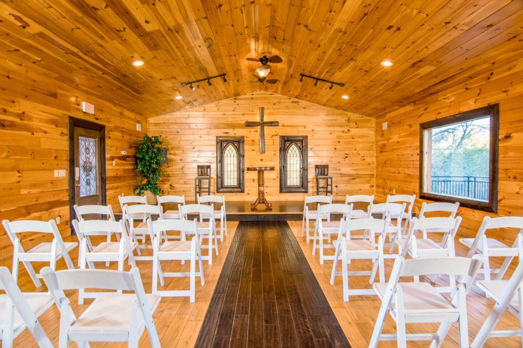 Moose Hollow Lodge Pigeon Forge TN chapel setting