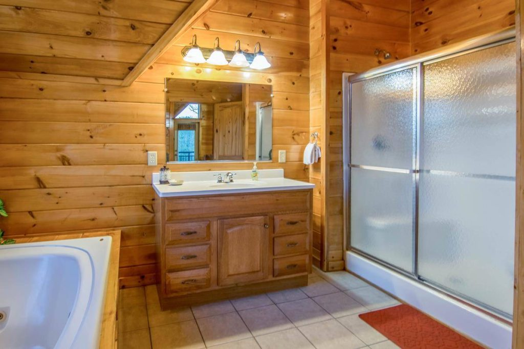Moose Hollow Lodge Bathroom Ensuite4