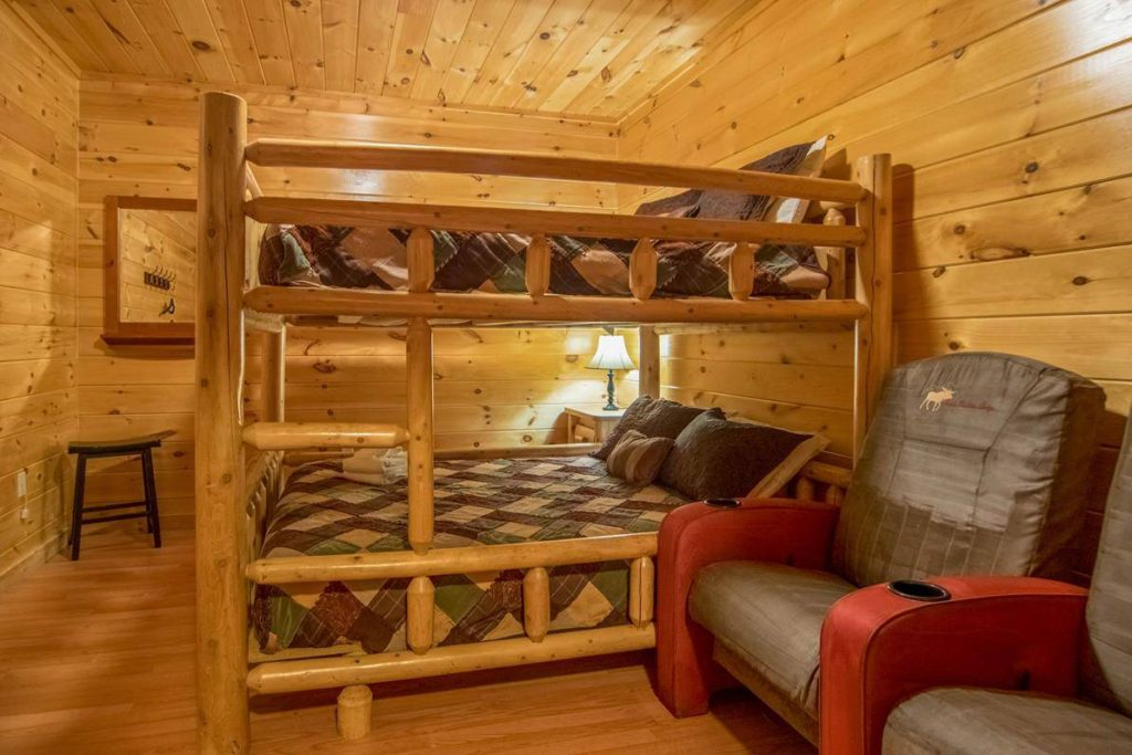Moose Hollow Lodge Bunk Beds3