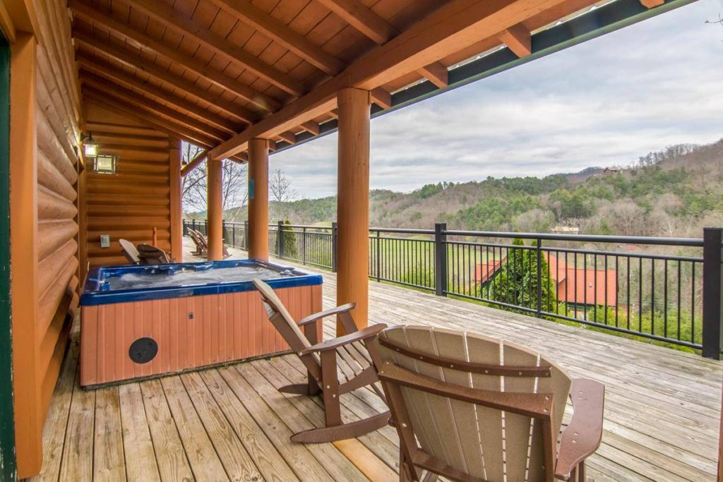 4 tips for a friends getaway at our luxury cabin in pigeon for Moose creek cabins pigeon forge tn
