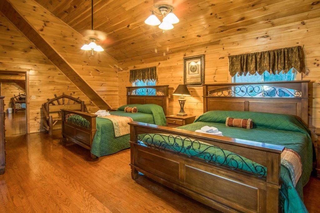 Moose Hollow Lodge Luxury Master Suite1
