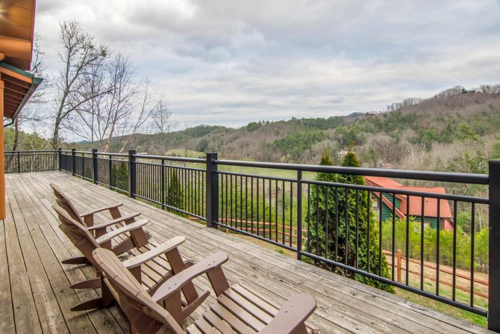 large cabin in pigeon forge tn
