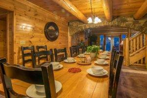 Moose Hollow Lodge dining1