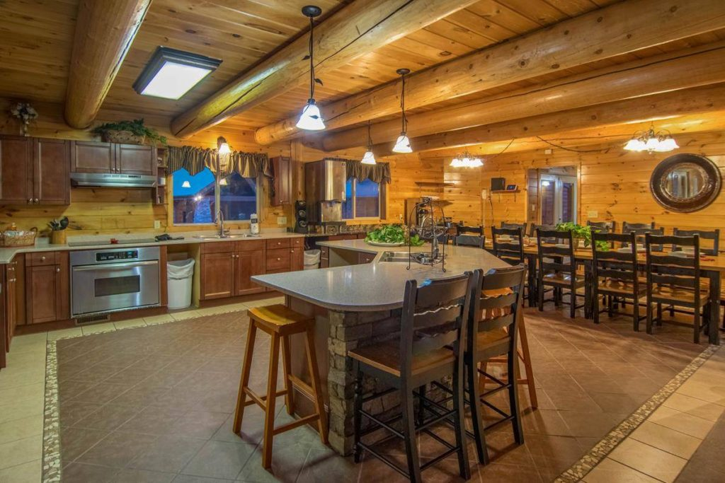 Moose Hollow Lodge kitchen