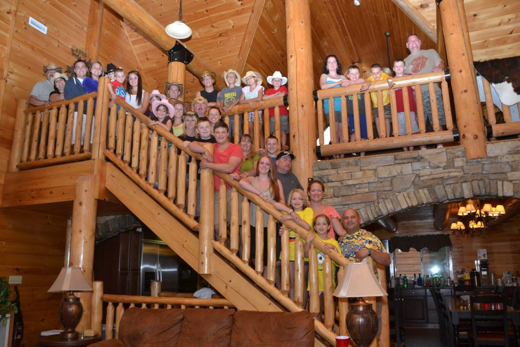 Moose Hollow Lodge Pigeon Forge TN Family Reunion