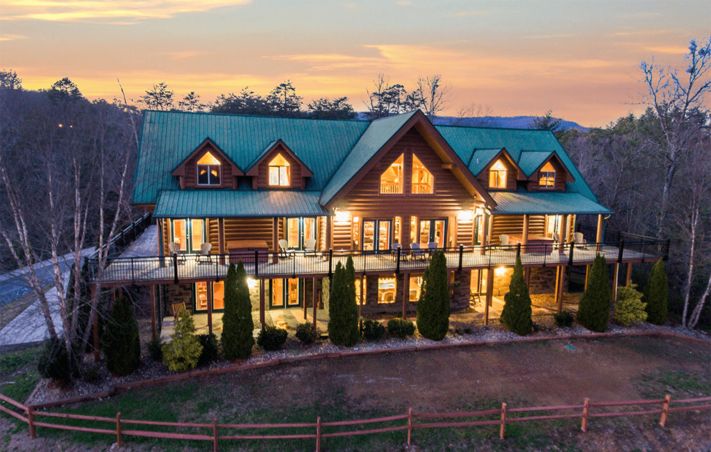 Top 4 Reasons to Take a Virtual Tour of our Large Cabin in Pigeon Forge TN